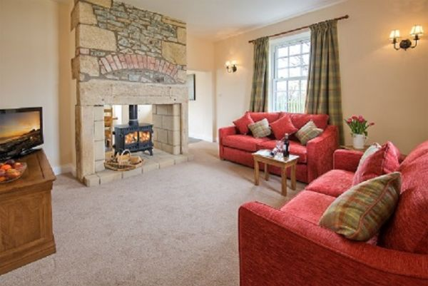 Three bed room cottage lounge