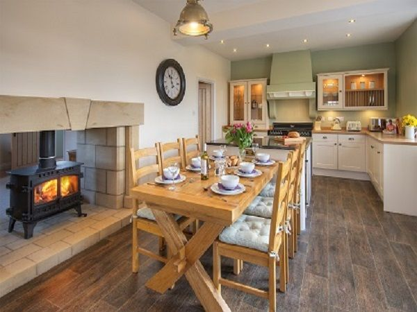 Three bedroom cottage kitchen