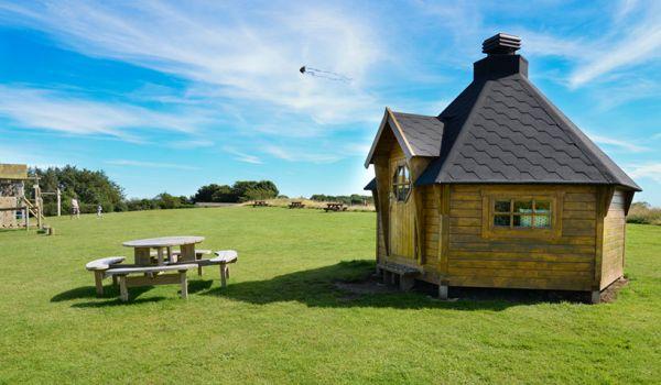BBQ Hut comfortably sits 12